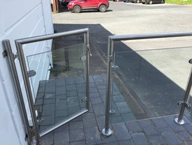 Glass panel stainless steel balustrade gate and fittings