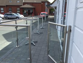 Stainless steel railings an gate